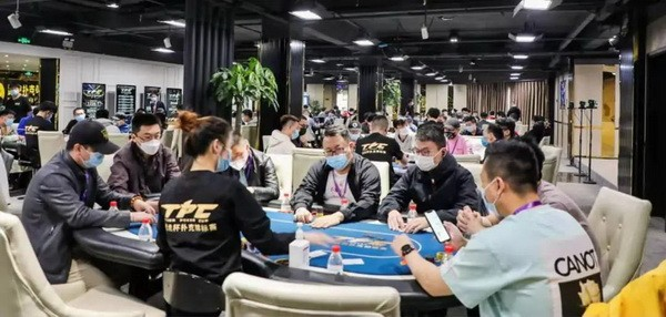 【6upoker】2021 TPC老虎杯 | 主赛火爆开幕,孙慈领衔106人晋级下一轮!