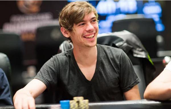 【6upoker】Fedor Holz强调反思在德州扑克中的重要性