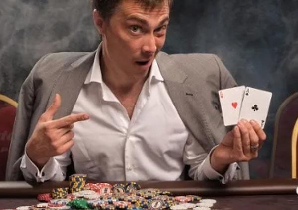 【6upoker】评估德州扑克中的手牌只是翻牌前策略的一个方面