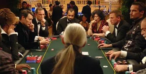 【6upoker】德州扑克位置不利时赢得底池的三大杀手锏