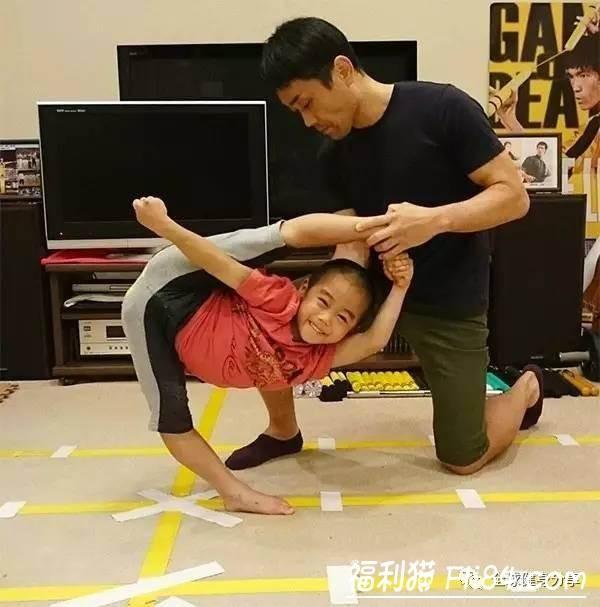 """【6upoker】7岁小男孩今井隆星""""全身肌肉炸裂""""!""""魔鬼训练""""过程曝光 堪称""""迷你版李小龙"""""""