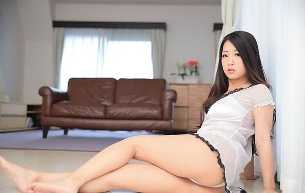 【6upoker】忧郁少妇铃木さとみ顶到最深处的浓密极致性爱!