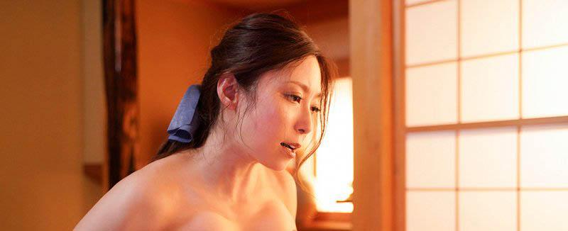 "【6upoker】老公外派!美巨乳人妻""白木优子""被儿子同学盯上强暴 深深罪恶感让身体彻底沈沦"