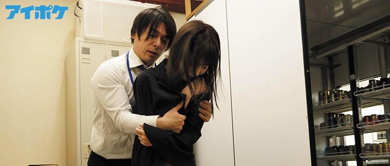 """【6upoker】偷保险套被发现!""""桃乃木かな""""被店长囚禁在仓库随时进入"""