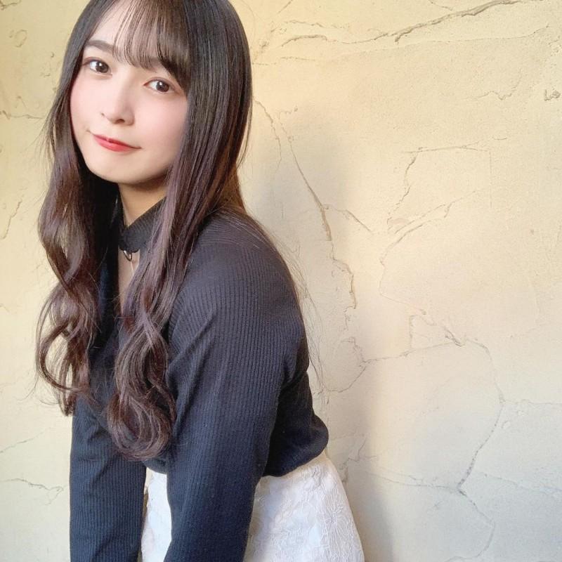 【6upoker】单眼皮正妹Hana 无害脸蛋下暗藏「肉感G 」!穿搭被封「女神」
