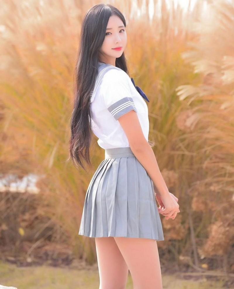 【6upoker】天菜长腿姐姐「오하빈」纤腰画面超冲突神级「九头身曲线」比例好到夸张