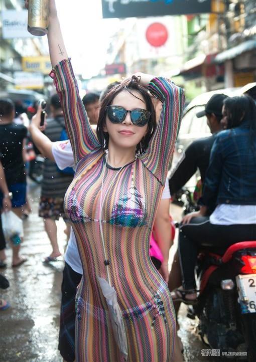 【6upoker】36H李毓解锁泰国浴!乳头的形状让人脸红...
