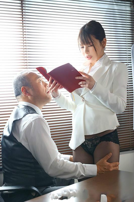 【6upoker】叶爱JUL-542 人妻秘书为老公投入社长怀抱