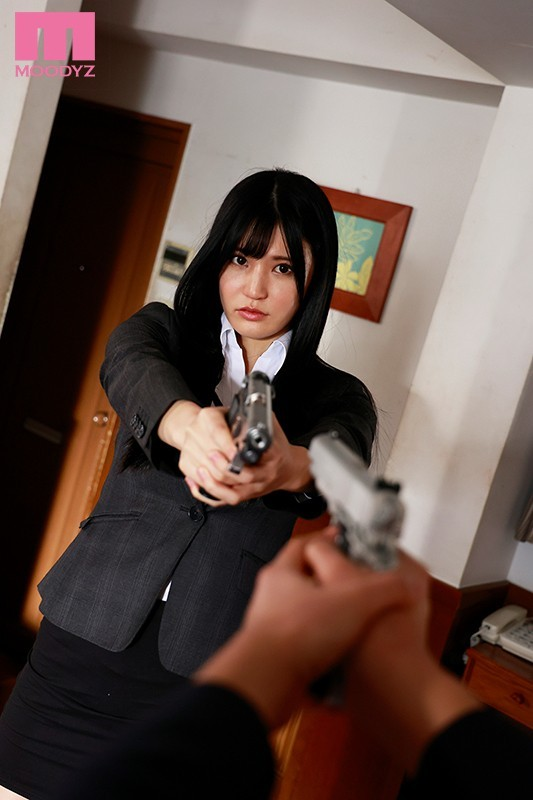【6upoker】高桥圣子MIDE-928 巨乳搜查官与下属擦枪走火