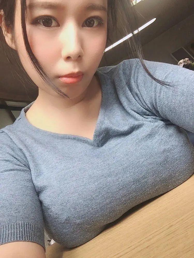 【6upoker】超美神塚田诗织 人小胸大让人一看就爽爆