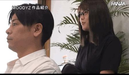 "【6upoker】剪加洗还有""吹""!那间一次1000日币还可以中出的理发厅来了I罩杯师傅! …"