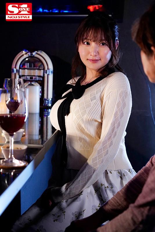 "【6upoker】""出道""一周年纪念!鹫尾めい甩乳狂啃小鲜肉!"