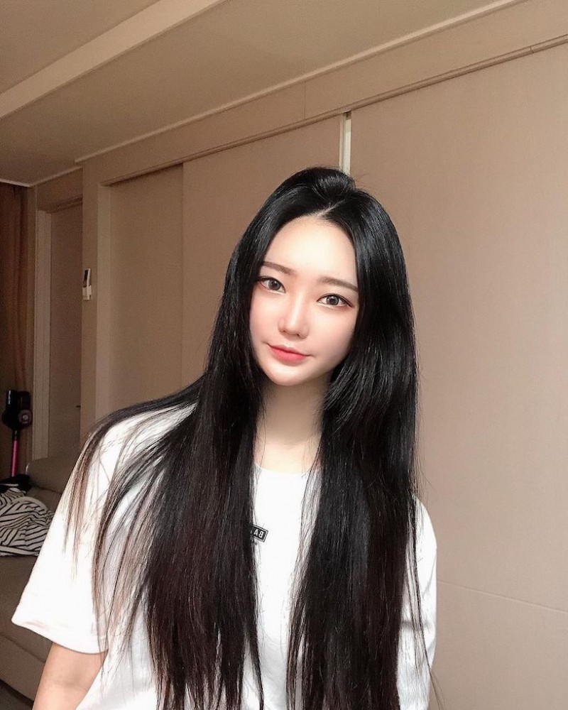 【6upoker】夜游汉江的「小恶魔正妹」,穿这样运动有够犯规!
