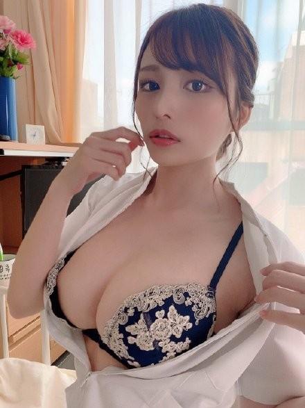 【6upoker】伊藤舞雪CAWD-091 巨乳姐姐安慰陷入婚姻倦怠期妹夫