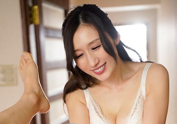 【6upoker】Julia最新作品MEYD-679 人妻训练小处男邻居