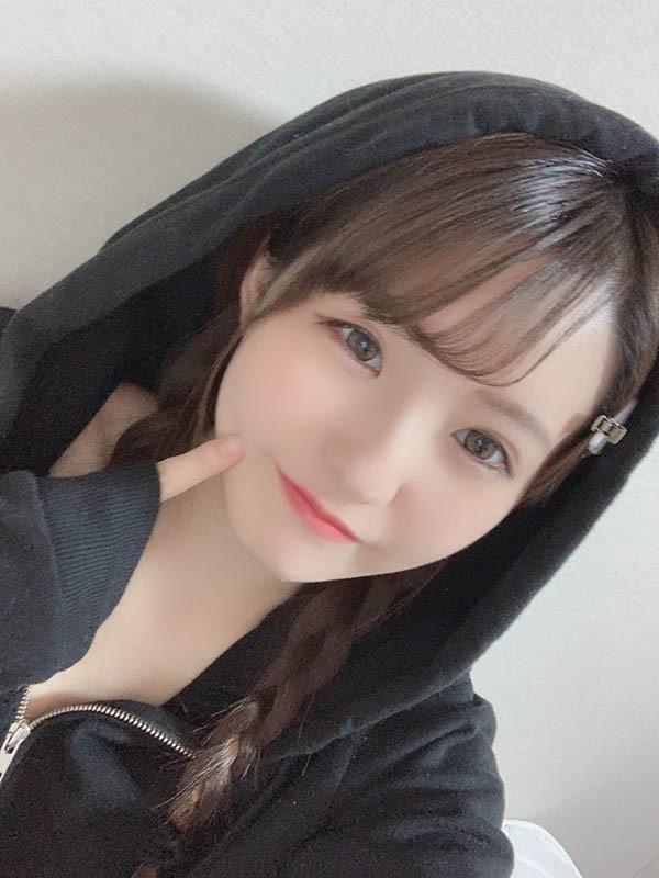 【6upoker】ssni-779:雪白长腿!169公分长腿C奶美少女「乙白沙也加」成为天使萌小师妹AV出道!